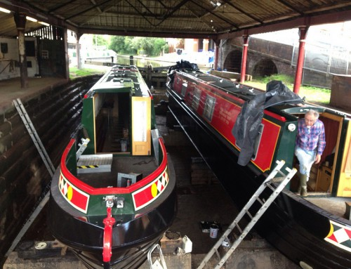 The Day I Met The Wirral Community Narrowboats (I even saw their bottoms!)