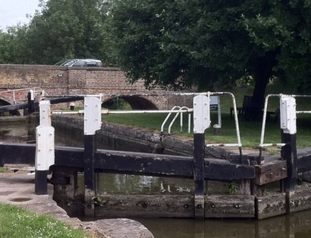 5 Warning Signs That Your Boat is About to Sink in a Lock