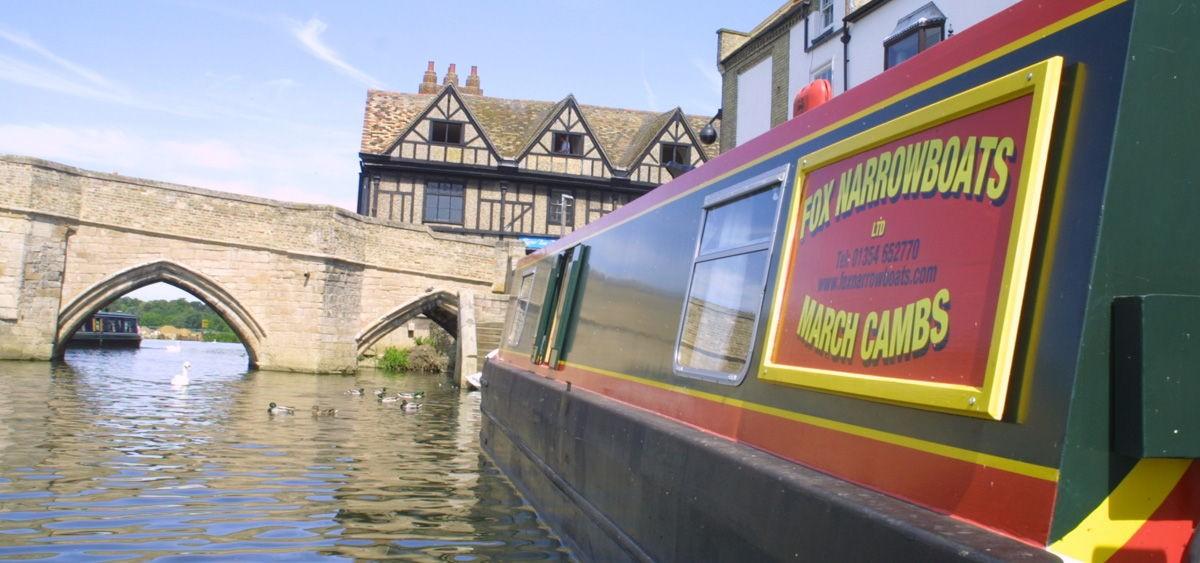 narrowboat-holiday-day-hire-11-1200x563